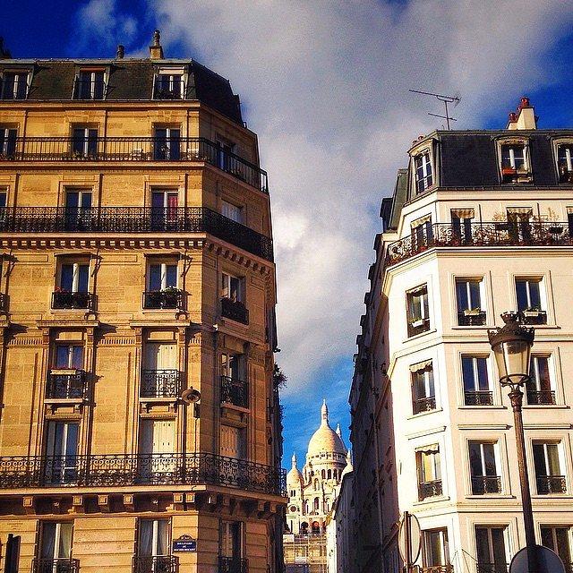 Hide and seek #sacrecoeur #basiliquedusacrecoeur #paris